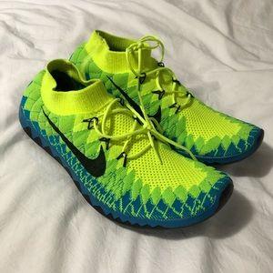 Men's size 11 Nike free runs